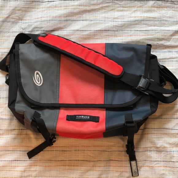bea9cd096e13 CUSTOM Timbuk2 classic messenger bag - sz Small